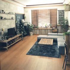 yukkochan1326さんの、部屋全体,出窓,ニトリ,ウッドブラインド,北海道,男前,ドアリメイク,yupinokoさん,クリスマスツリー150cm,のお部屋写真