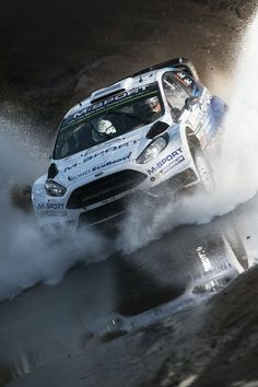 https://www.facebook.com/WorldRally/photos/pcb.10152852052750678/10152852047315678/?type=1