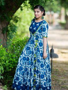 Pink Bandhej Dupatta with Gray Suit Set Ikkat Dresses, Maxi Dresses, Stylish Tops For Women, Dabu Print, Indigo Prints, Designer Kurtis, Daily Style, Indian Designer Wear, Indigo Blue