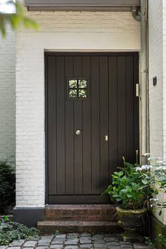 House Entrance, Exterior Doors, Interior Design Inspiration, Windows And Doors, Home Deco, Exterior Design, Modern Farmhouse, Garage Doors, New Homes
