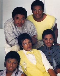 The Jacksons, Matthew Rolston photoshoot. Eric Trump, Donald Trump Jr, Jackson 5, Jackson Family, Michael Jackson Fotos, Michael Jackson Smile, Black Is Beautiful, Beautiful People, Invincible Michael Jackson