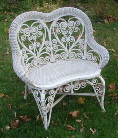 Real Victorian wicker, not a repro. White Wicker Furniture, Sunroom Furniture, Wicker Bedroom, Wicker Sofa, Refinished Furniture, Antique White Desk, Shabby Chic Accessories, Outdoor Sofa Sets, Wicker Mirror