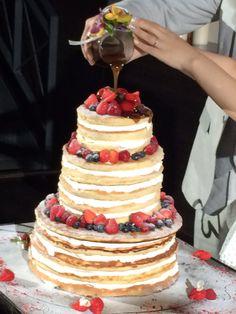 ウェディングケーキ「ヴィラデマリアージュさいたま」で式を挙げた時のウェディングケーキ♡ パンケーキで作ってもらいました♡