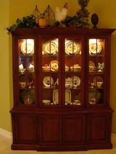 Dining Room Dish Cabinet Best Of the Art Of Accessorizing A China Cabinet Matt and Shari China Cabinet Decor, Dish Cabinet, Crockery Cabinet, Rustic China Cabinet, Art Cabinet, Cabinet Ideas, Hutch Display, China Display, Dish Display