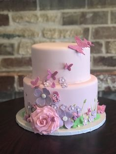 A baby shower cake that brings some sweet spring excitement! A baby shower cake that brings some sweet spring excitement! Butterfly Birthday Cakes, Pretty Birthday Cakes, Baby Birthday Cakes, Birthday Cakes For Women, Butterfly Cakes, Pretty Cakes, Beautiful Cakes, Butterfly Baby Shower, Butterfly Party