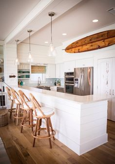 Hang Ten: 21 Homes That Prove Surf Is Chic