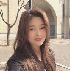iz*one: kim min joo Kpop Girl Groups, Korean Girl Groups, Kpop Girls, Yuri, Secret Song, Asian Babies, Little Bit, Japanese Girl Group, Famous Girls