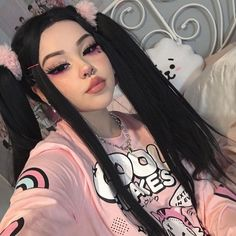 Aesthetic People, Bad Girl Aesthetic, Goth Aesthetic, Aesthetic Makeup, Edgy Makeup, Cute Makeup, Straight Lace Front Wigs, Long Straight Black Hair, Girls With Black Hair