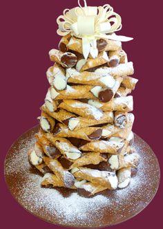 Cannoli tower yummm!