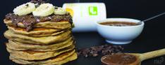 Pancakes sans sucre & Vegan - De la gourmandise sans les calories, c'est possible ? Bien sûr, testez dès maintenant notre recette de pancakes moelleux et entièrement sans sucre blanc. Afin de donner une touche de sucré, nous avons employé de la poudre du super fruit lucuma, un excellent subsitut de sucre venu directement du