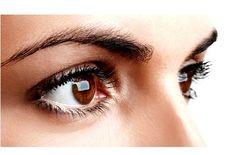 L'alopécie des sourcils et des cils est une maladie relativement commune. Nous avons tous eu des moments où, tout à coup, quand nous nous regardons dans le miroir, nous remarquons des petits trous dans ces zones.