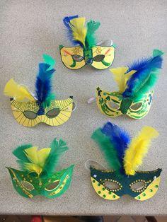 Thème Brésil #Brésil #activité #enfant #masque #carnaval #Rio Homecoming Decorations, Carnival Decorations, Diy Carnival, Carnival Food, Carnival Themes, Carnival Masks, Circus Theme, Diy For Kids, Crafts For Kids