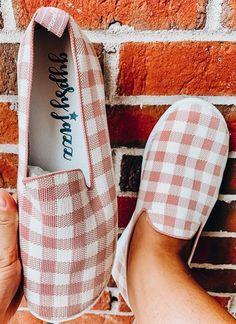 Gypsy Jazz Swift Sneakers: Blush Gypsy Jazz, Badass Style, Apple Watch Bands, Boutiques, Fashion Boutique, Swift, Spring Fashion, Blush, Clothes For Women