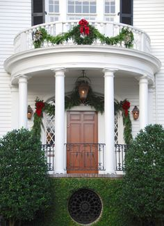Colonial Architecture | Christmas Decor | Curb Appeal | Front Door