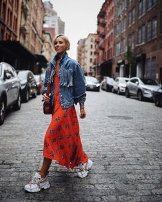Look Street Style, New York Fashion Week Street Style, Fashion Blogger Style, Cool Street Fashion, Look Fashion, Fashion Outfits, Fashion Trends, Fashion Bloggers, Street Styles