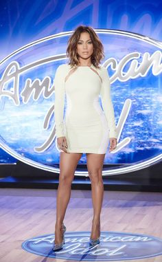 Jennifer Lopez Wear Mugler Resort 2016 White Long Sleeve Cady Dress and Casadei Silver Blade Pumps on American Idol This Weekend in Denver Vestido Jennifer Lopez, Jen Lopez, Tight Dresses, Dresses With Sleeves, Long Dresses, Evening Dresses, Alesha Dixon, American Idol, White Long Sleeve
