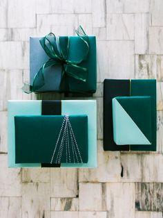 Wrapping DIY: {Color-Block Presents color blocked gift wrappingcolor blocked gift wrapping Wrapping Ideas, Creative Gift Wrapping, Present Wrapping, Creative Gifts, Wrapping Papers, Elegant Gift Wrapping, Green Wrapping Paper, Green Gifts, Pretty Packaging