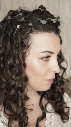 curl clipping curly girl technique - step by step great advice Curly Hair Styles, Big Curly Hair, Haircuts For Curly Hair, Curly Hair Tips, Curly Hair Care, Long Curly, Girl Hairstyles, Simple Hairstyles, Short Wavy