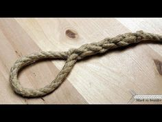 In this video I demonstrate how I splice an eye (loop) onto an end of the rope. This technique is very important for working with rope, especially for sailor. How To Braid Rope, Rope Knots, How To Make Rope, Macrame Knots, Splicing Rope, Cowboy Knot, Make A Crown, Survival Knots, Knots Guide