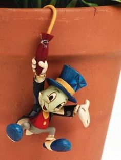 Jim Shore's Disney Jiminy Cricket pot hanger