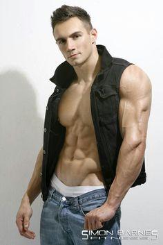TRISTAN EDWARDS male fitness model © SIMON BARNES ► hotsnapz.blogspot.com/ Tags #malemodel #jeans #muscular