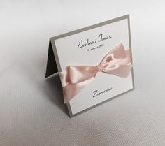 Zaproszenia ślubne, eleganckie, delikatne szarości, pudrowy róż, kolor przewodni niebo o zachodzie słońca ⛅️