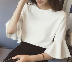 Solid Color Trumpet Sleeve Chiffon Blouse look not only special, but also they always show ladies' glamour perfectly and bring surprise. Dressy Outfits, Fashion Outfits, Blouse Outfit, Casual Looks, Women's Casual, Blouse Designs, Vintage Outfits, Couture, Clothes For Women