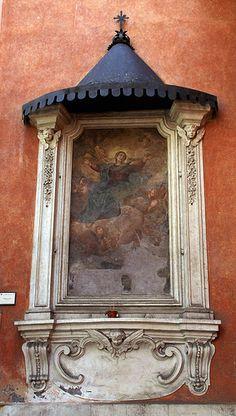 Rom, Piazza Sant'Egidio, Straßentabernakel (street tabernacle)