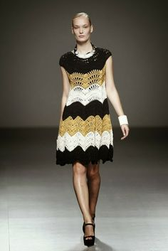 Vogue Crochet runway design, no pattern ~ Crochet e Moda