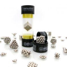 Magnetkugeln Nano Dots Original 64 Kugeln von Nano Magnetics jetzt im design3000.de Shop kaufen! Geometrieunterricht war gestern! Denn ab sofort wird...