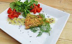 Salmone grigliato in salsa verde genovese e pomodorini confit