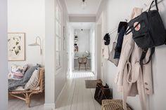 Scandinavian Loft, Scandinavian Apartment, Interior Desing, Interior Stylist, Dark Grey Kitchen, Vintage Nightstand, Vintage Furniture, Sweden House, Small Workspace