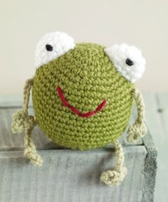This cheery amphibian is sure to be a super fun critter. Crochet him in Wool-Ease and have him keep you company while you work at your desk.