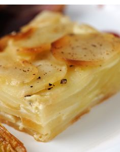 Josh Eggleton presents the ultimate potato dauphinoise recipe. This dauphinoise recipe is as richly decadent as ever Oven Dishes, Potato Dishes, Potato Recipes, Food Dishes, Side Dishes, Chocolate Flapjacks, Potatoes Dauphinoise, Small Oven, Great British Chefs