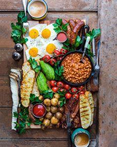 Quick healthy breakfast recipe & food with delicious taste - for ch Breakfast Platter, Dessert Platter, Breakfast Recipes, Irish Breakfast, Full English Breakfast Ideas, Champagne Breakfast, Southern Breakfast, Breakfast Quesadilla, Cooking Recipes