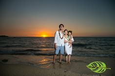 Family Portrait at A-Bay | Hawaii Photographer http://hawaiiphotographer.com/family-portrait-bay/