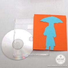 Como fazer quadro de capas de CD  Passo a passo com fotos - How to make a frame using CD covers - DIY tutorial  - Madame Criativa - www.madamecriativa.com.br