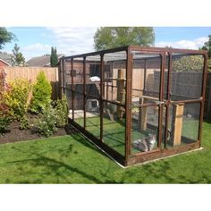 Ellis Super Outdoor Cat House and large Walk in Cat Run to keep you cats safe, secure and exercised outdoors whilst getting fresh air. A large House and Run for lots of play space for all breeds of cats. Designed and manufactured with the cat and cat owner in mind while looking great in any garden o
