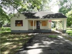 505 E Dison Ave ~ Memphis, TN ~ Cute  & Delightful Home ~ Part Hardwood ~ Great Investment