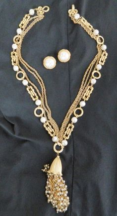 1950's Faux Pearl and Gold chain Necklace Demiparure by COLLECTORSCENTER on Etsy