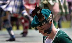Ribbons' caress - Auckland's annual Highland Games 2014