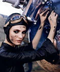 wow! #womanpilot is TopFlight in Fashion thx to Amelia Earhart The look is on runways everywhere @eegiorgi.