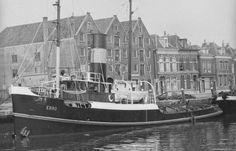 Afgemeerd in de haven van Maassluis EBRO  http://vervlogentijden.blogspot.nl/2015/05/elke-dag-een-nederlands-schip-uit-het_21.html