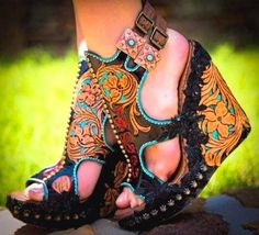 ❤ Find more maxi dresses, jeans and t shirt outfit and knit Wear, clothing closet and jeans outfit. Another travel Wear, college fashion and simple. Cowgirl Style, Cowgirl Boots, Leather Wedges, Leather Shoes, Cute Shoes, Me Too Shoes, Shoe Boots, Shoes Heels, Flats