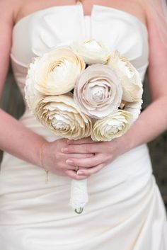 ok love the paper flowers for the bouquets,ladies. let's see if we can figure this out! « David Tutera Wedding Blog • It's a Bride's Life • Real Brides Blogging til I do!