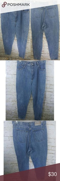 """L.A BLUES VINTAGE MOM JEANS ACID WASH HIGH WAIST BRAND:L.A Blues  CONDITION:Used. General wear from age/use, worn back tag. Please view all pictures for more details.  SIZE:Women's plus size 18   MEASUREMENTS (approximate):Garment lying flat Width – across waist: 17"""" Inseam – 30"""" Length – waist to hem: 43.5""""  COLOR:Blue  Colors pictured may vary slightly from actual item, due to lighting and/or different screen resolutions.  STYLE:Long, relaxed fit  CLOSURE:Button, zipper…"""