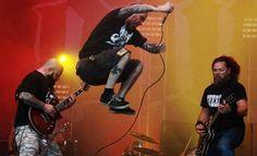 Phil Anselmo gettin some air