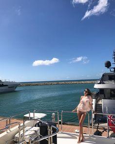 http://beachmind.com/irina-garcia/ #boats Creo que si miráramos siempre al cielo, acabaríamos por tener alas. A photo posted by Irina García (@soyiri) on Jan […]