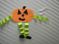 We made these and they turned out so cute! And theyre super easy for a quick craft with preschoolers :) halloween crafts for kids Fall Preschool, Preschool Projects, Daycare Crafts, Kindergarten Crafts, Classroom Crafts, Craft Activities For Kids, Toddler Crafts, October Preschool Crafts, Pumpkin Preschool Crafts