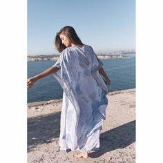 Royal Labrynth Annalise Kimono Labrynth, White Tops, Boho Fashion, Kimono, How To Wear, Style, Swag, White T Shirts, Bohemian Fashion